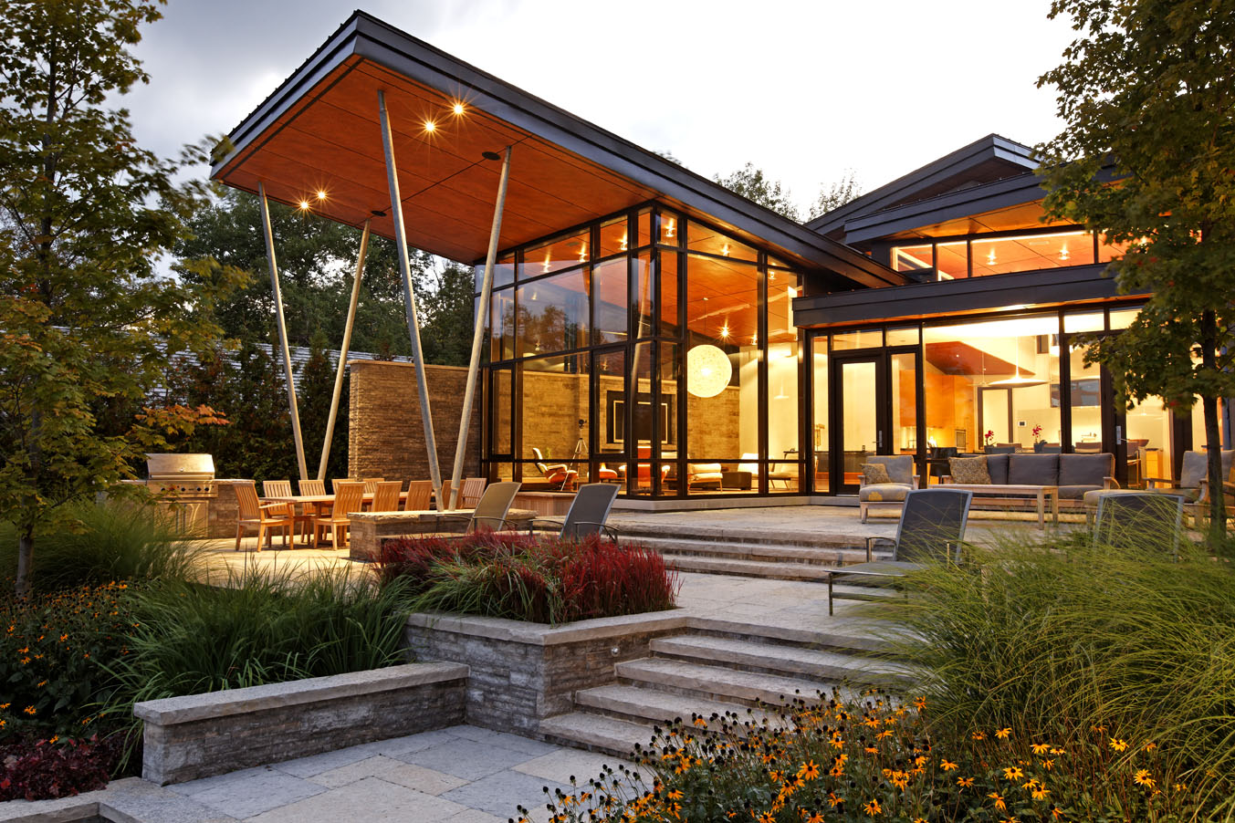 Lake simcoe cottage for Cottage architecture